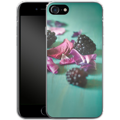 Apple iPhone 7 Silikon Handyhuelle - Stills Flowers Fruit von Joy StClaire