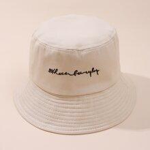 Sombrero cubo con bordado de slogan