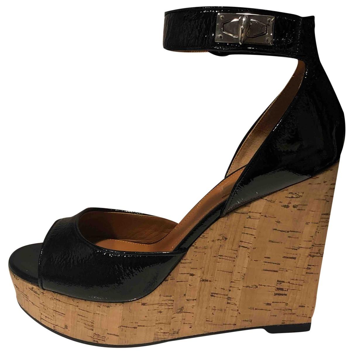 Givenchy - Sandales   pour femme en cuir verni - noir