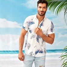 Maenner Hawaiihemd mit Blatt Muster und Taschen vorn