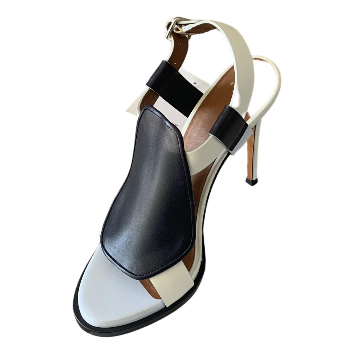 Givenchy \N Pumps in  Weiss Leder