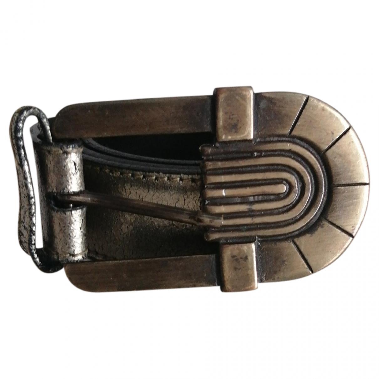 Cinturon de Cuero Versus