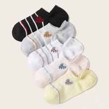 5 Paare Socken mit Herz und Buchstaben Grafik