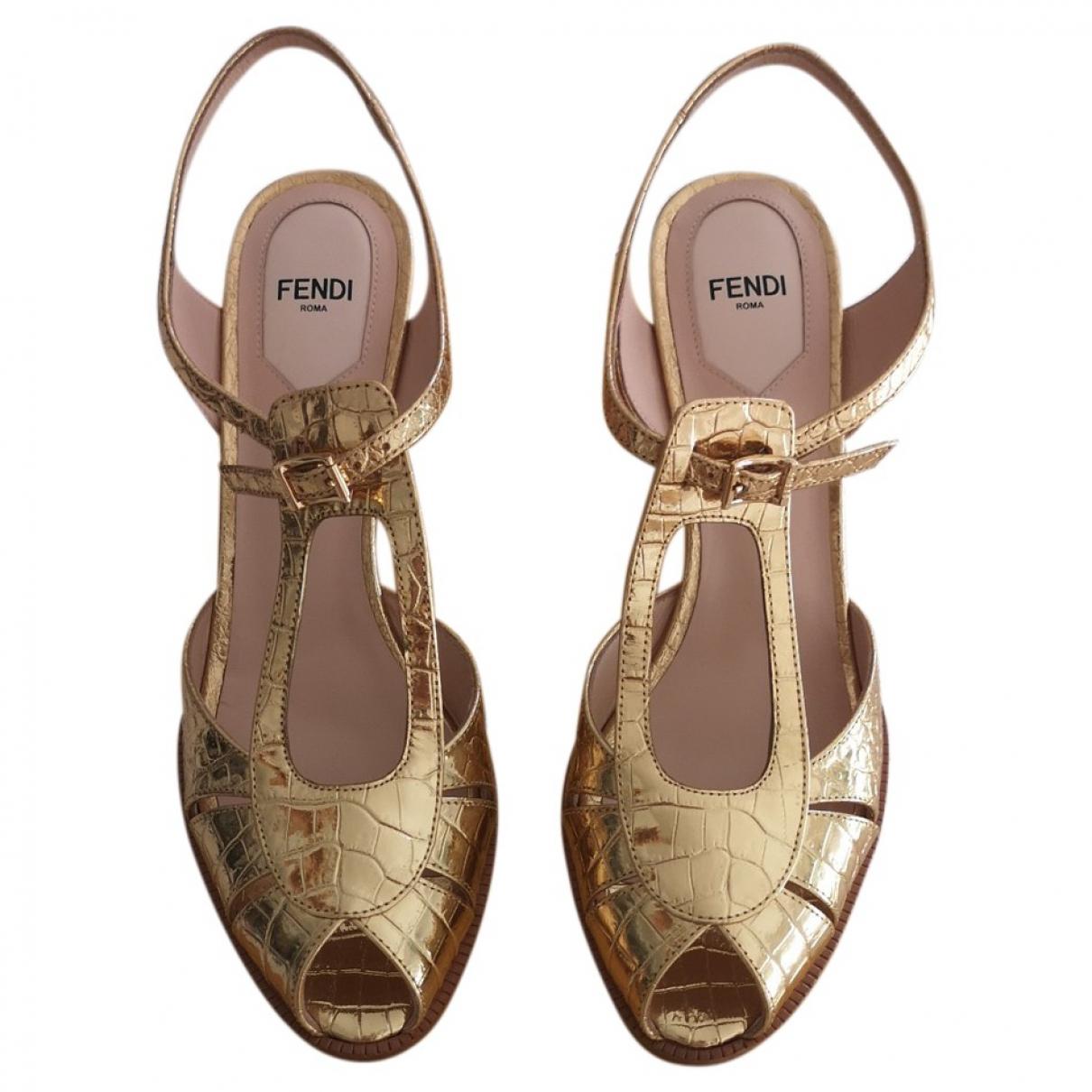 Fendi \N Gold Leather Sandals for Women 39.5 EU