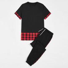 Camiseta panel de guingan en contraste con pantalones