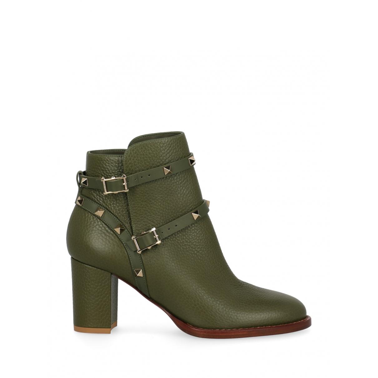 Valentino Garavani - Boots Rockstud pour femme en cuir - vert