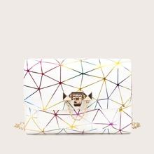 Bolso con cadena con patron geometrico