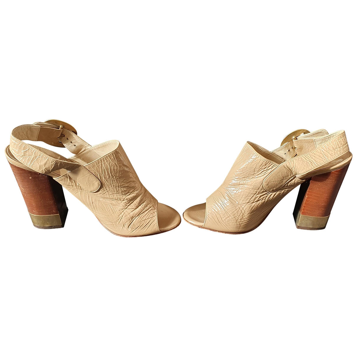 Chloé \N Beige Patent leather Sandals for Women 38 EU