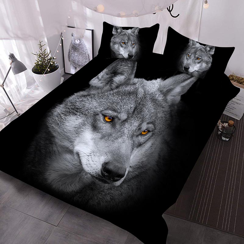 A Close-up Of The Wolf's Determined Gaze Printed 3-Piece Comforter Sets
