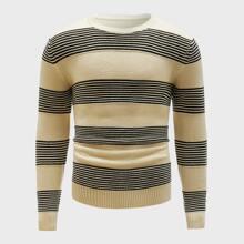 Pullover mit Streifen und Farbblock