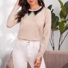 Pullover mit Perlen und Kontrast am Kragen