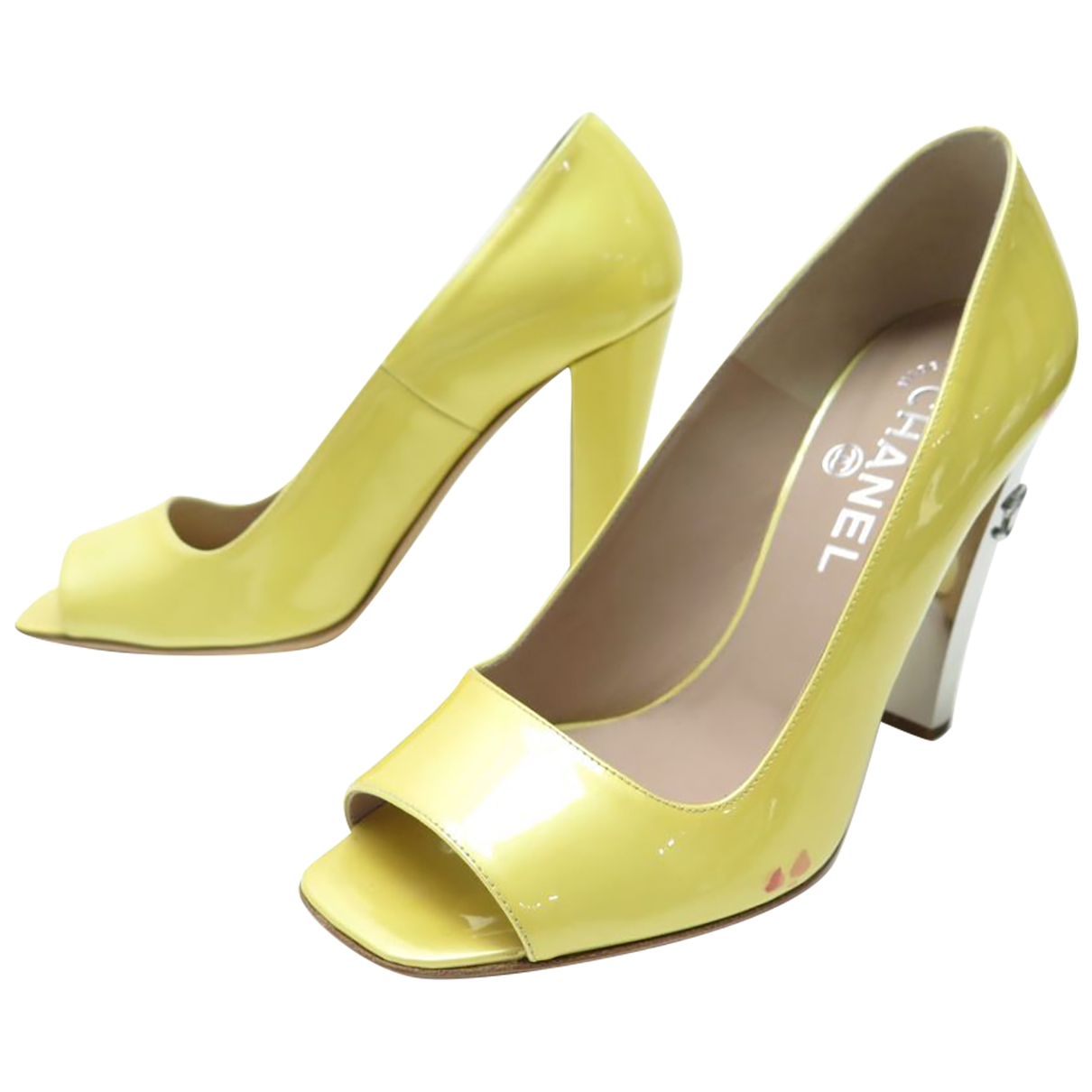 Chanel \N Yellow Patent leather Sandals for Women 37.5 EU