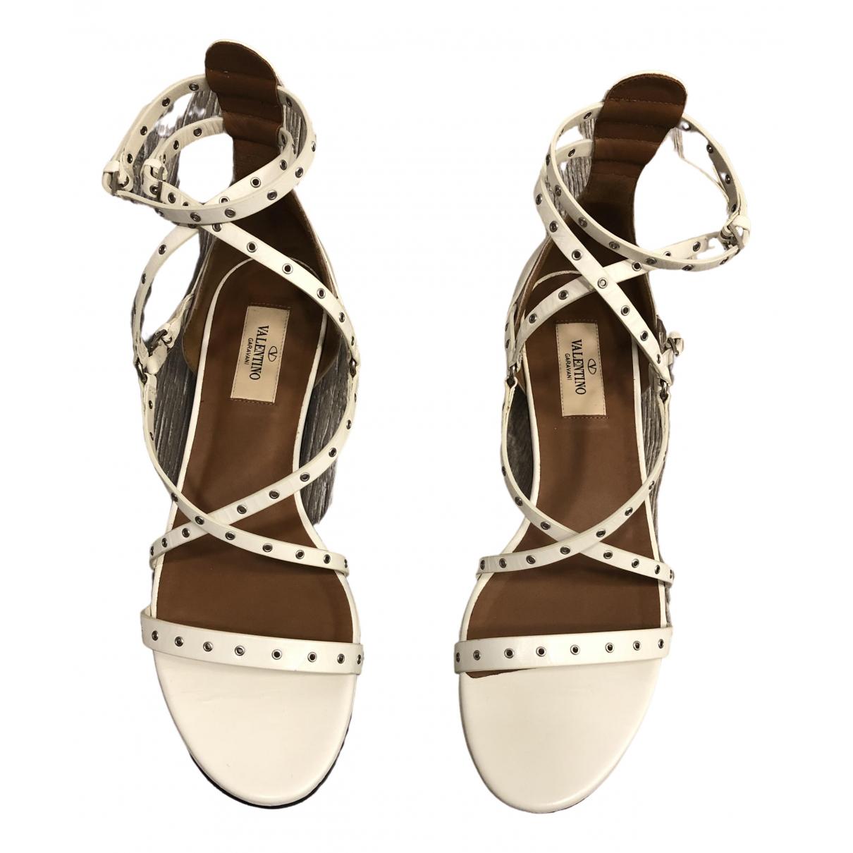 Valentino Garavani - Sandales   pour femme en cuir - blanc