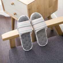 Geometric Pattern Flat Slippers