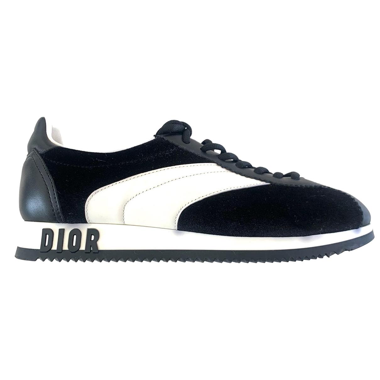 Dior Diorun Sneakers in  Schwarz Samt