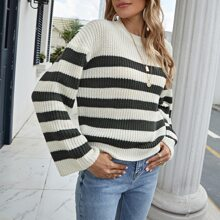 Pullover mit sehr tief angesetzter Schulterpartie und Streifen Muster