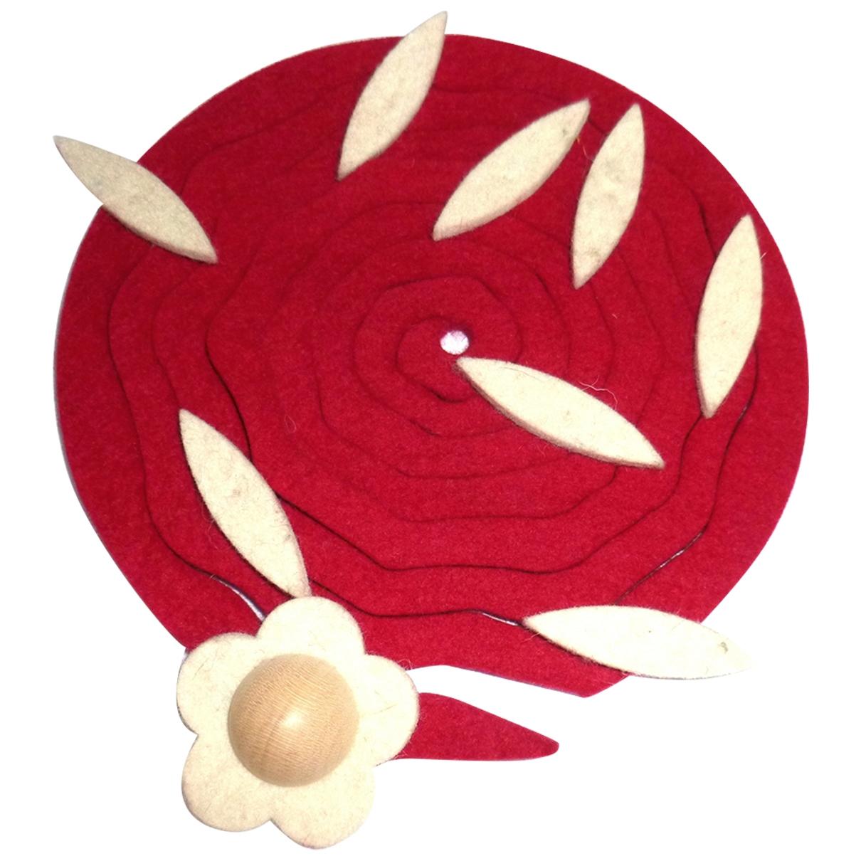 Non Signe / Unsigned Motifs Floraux Kette Rot