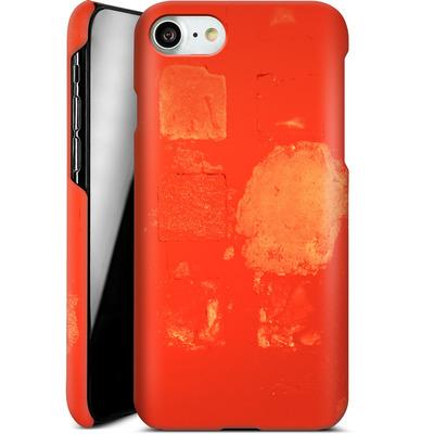Apple iPhone 7 Smartphone Huelle - Red Block Background von Brent Williams