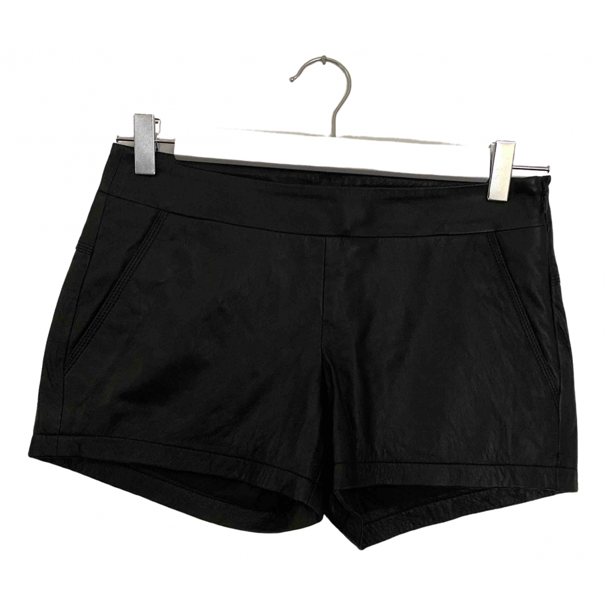 Theory \N Shorts in  Schwarz Leder