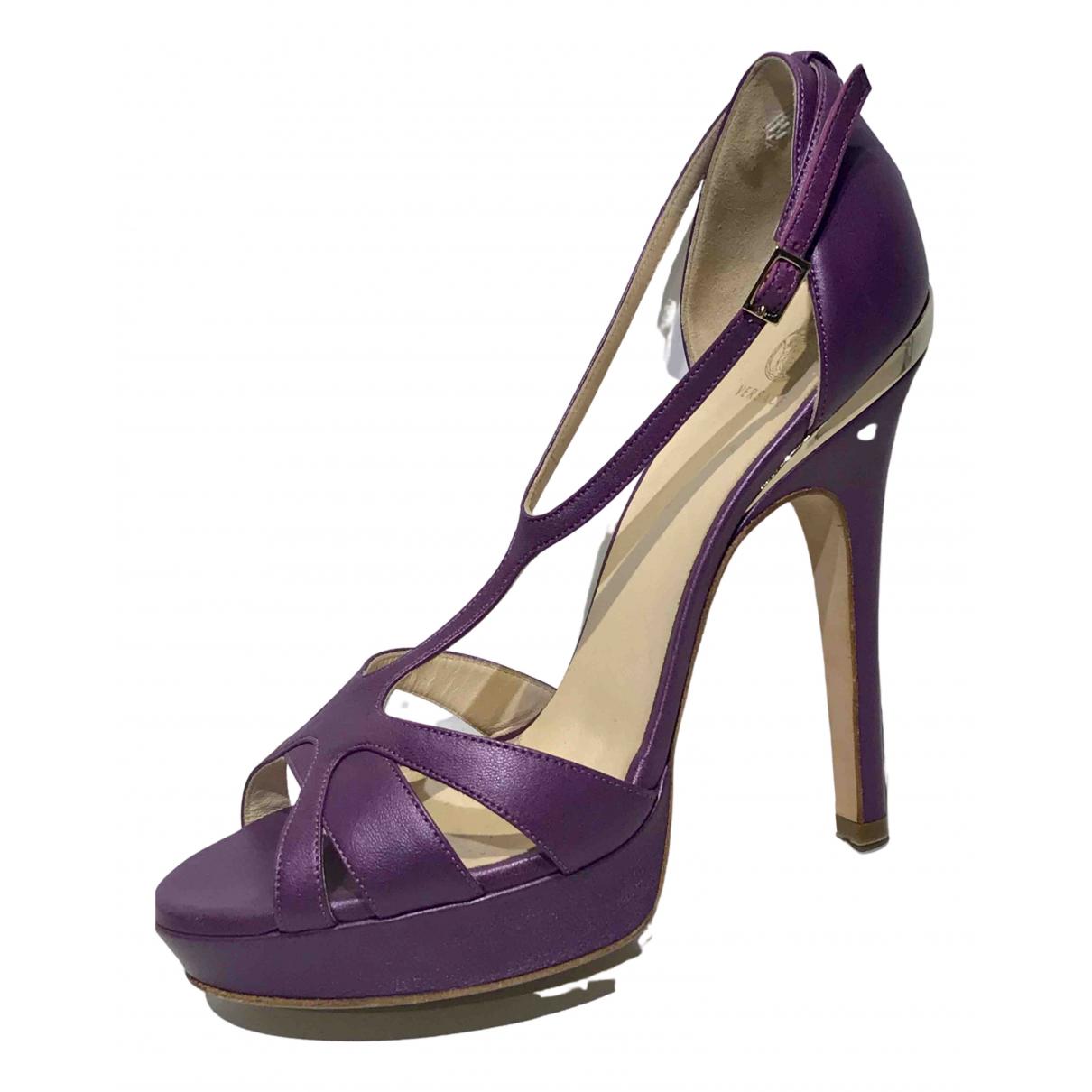Versace - Sandales   pour femme en cuir - violet