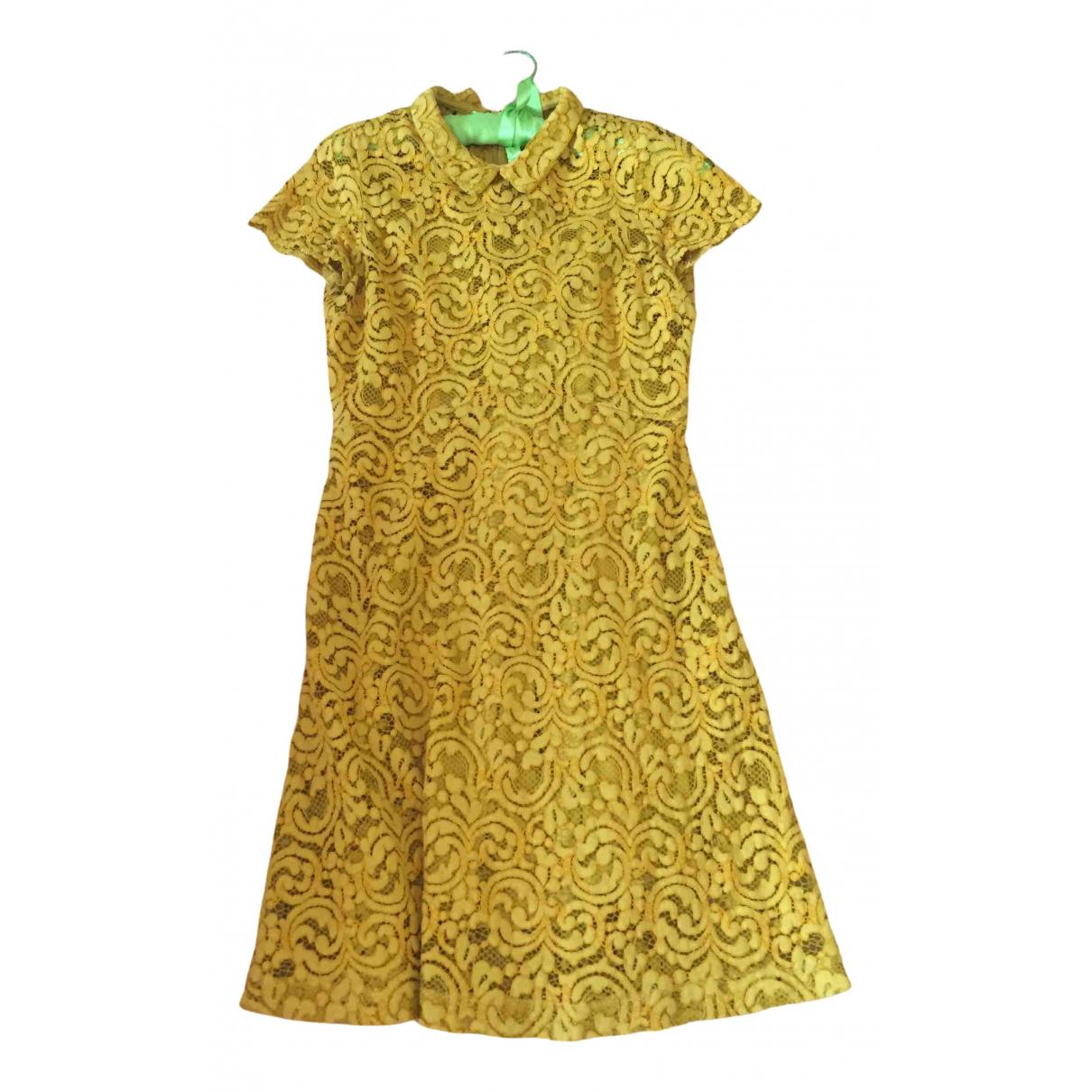 Non Signe / Unsigned \N Kleid in  Gelb Spitze