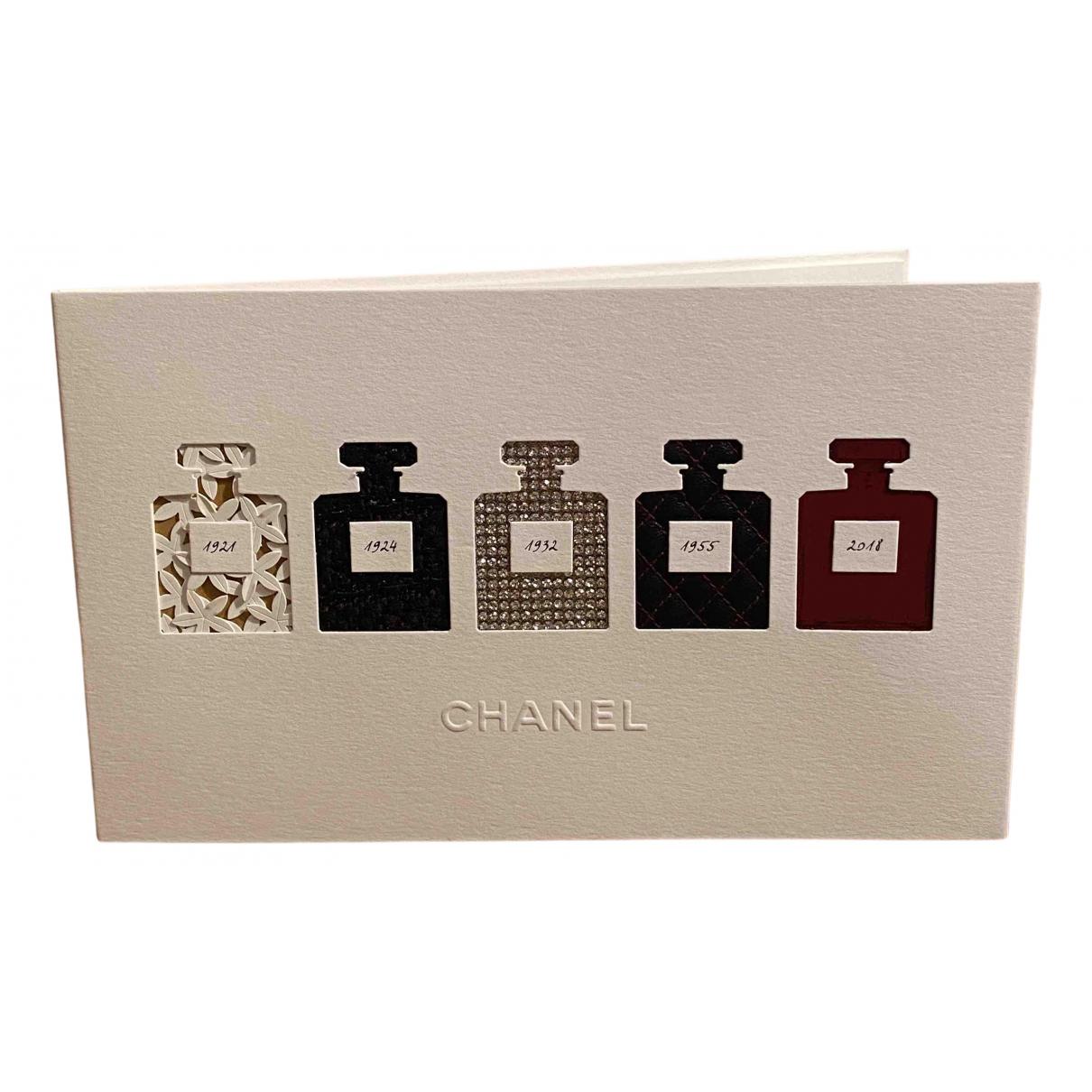 Chanel - Art   pour lifestyle en autre - blanc
