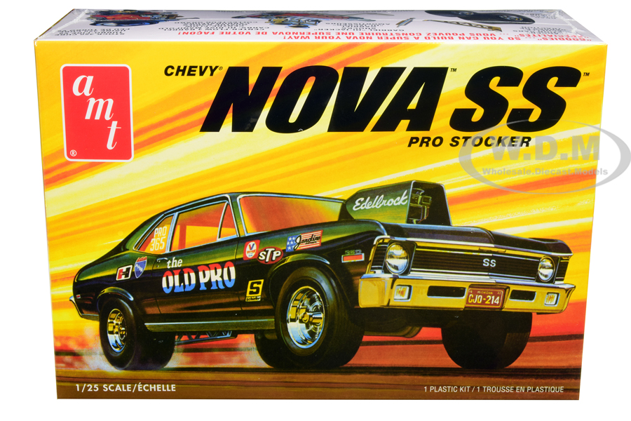 Skill 2 Model Kit 1972 Chevrolet Nova SS Pro Stocker 1/25 Scale Model by AMT