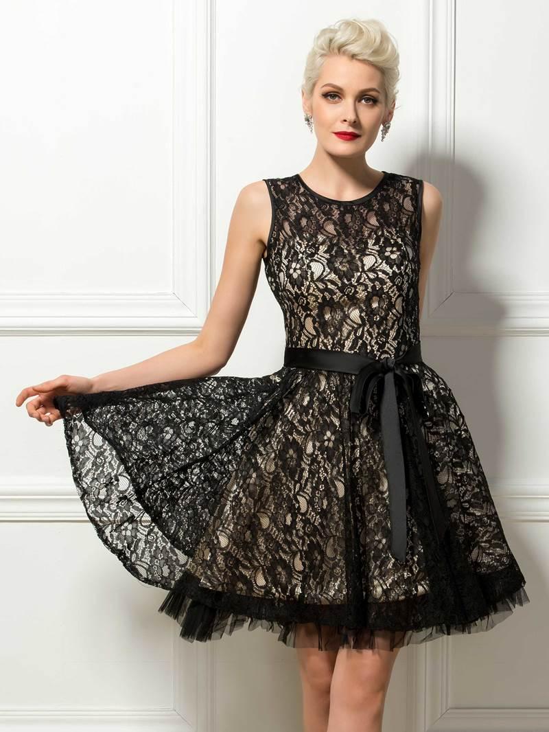 Jewel Neck A-Line Black Lace Cocktail Dress