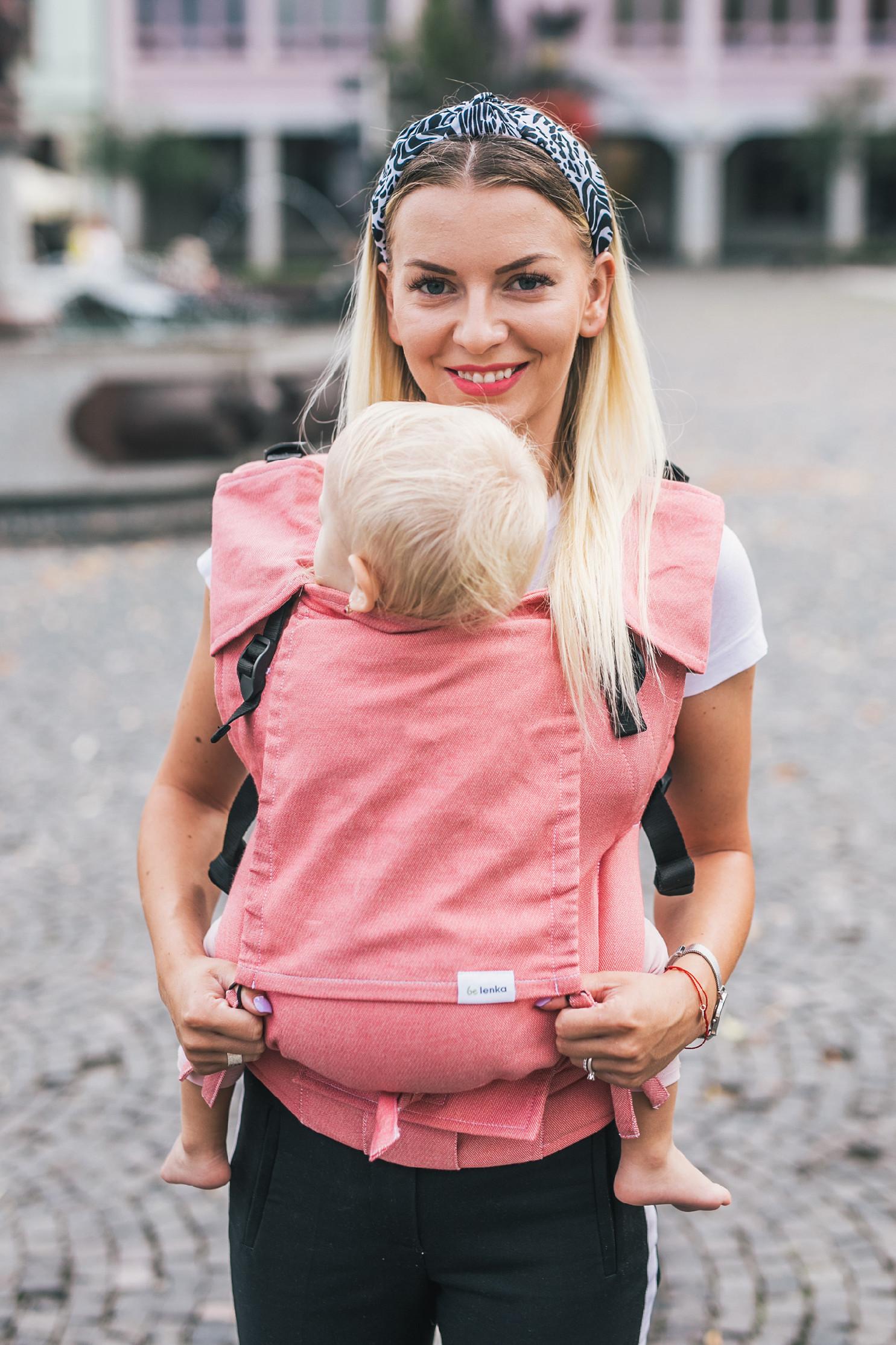 Babytrage Be Lenka 4ever - Pink breit mit der Moglichkeit der Uberquerung