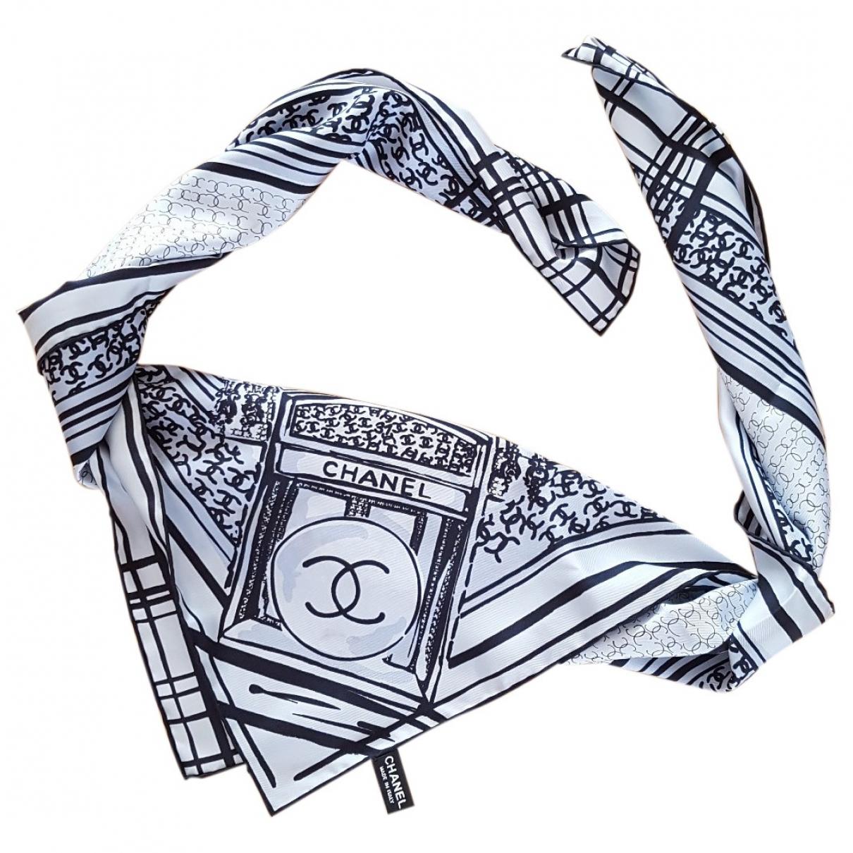 Chanel \N Tuecher in  Grau Seide