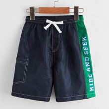 Boys Contrast Stitch Pocket Patched Letter Graphic Shorts