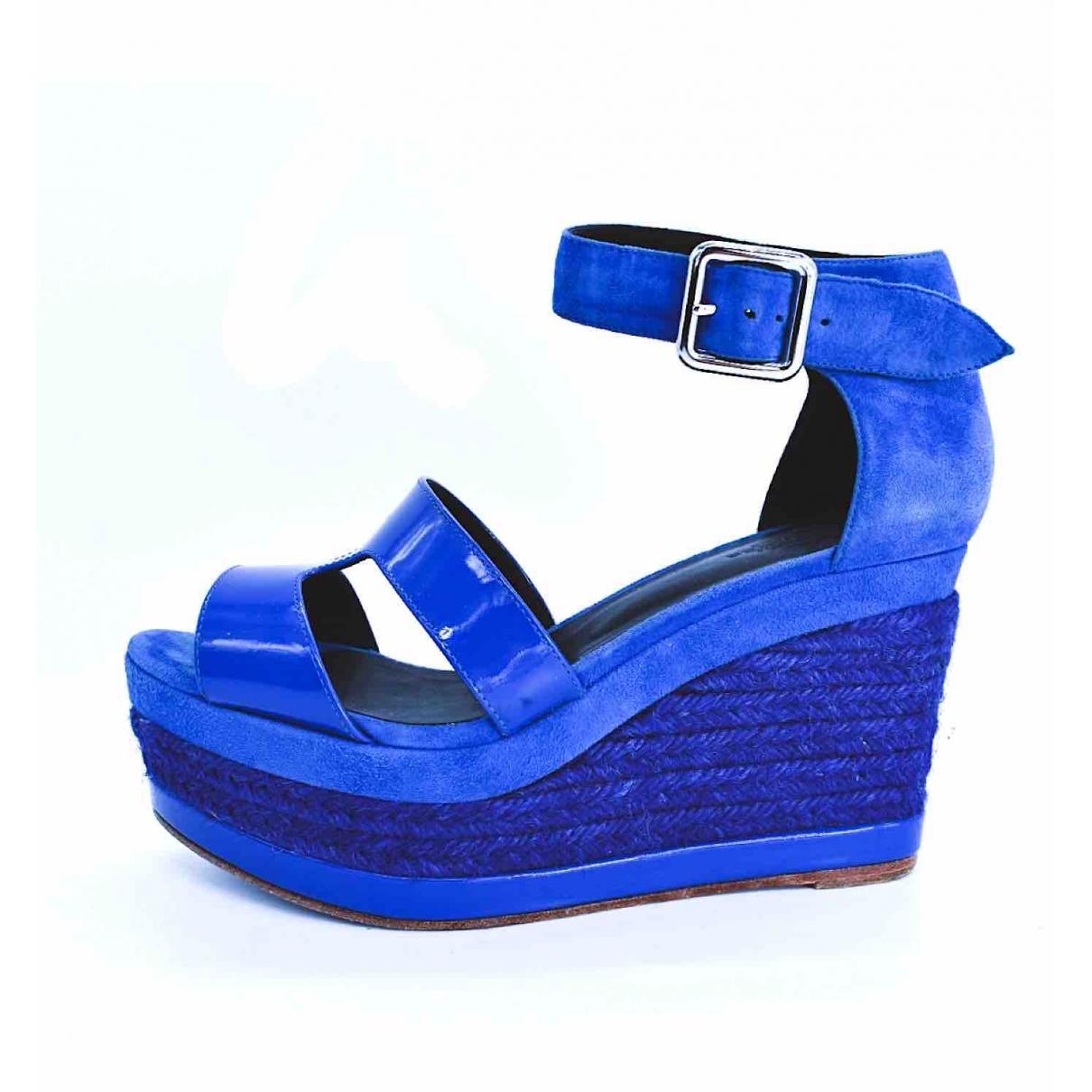 Hermes Tilana Sandalen in  Blau Leder