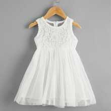 Kleinkind Maedchen Kleid mit Guipure Spitzenbesatz und Schleife hinten