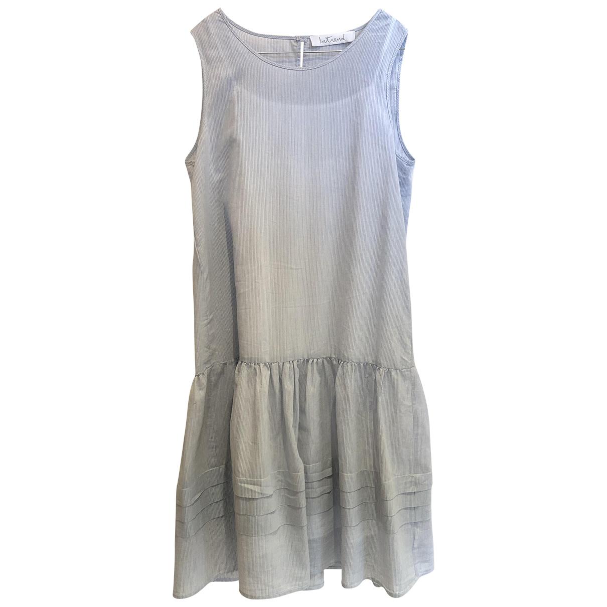 Intrend \N Kleid in  Weiss Baumwolle