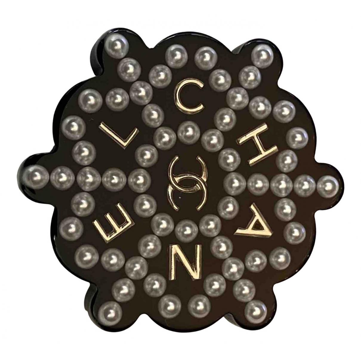 Chanel CC Brosche in  Schwarz Kunststoff