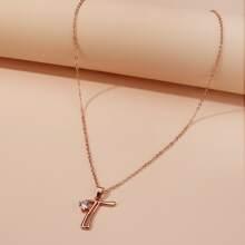 Halskette mit Strass und Buchstaben Anhaenger