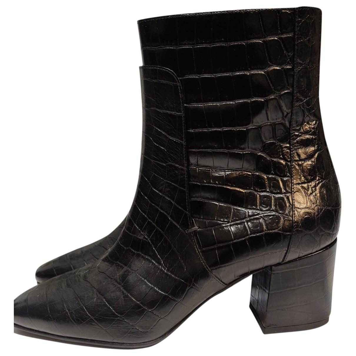 Givenchy \N Stiefeletten in  Schwarz Krokodil