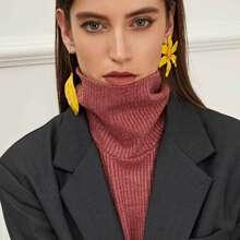 Leaf & Flower Mismatched Drop Earrings 1pair