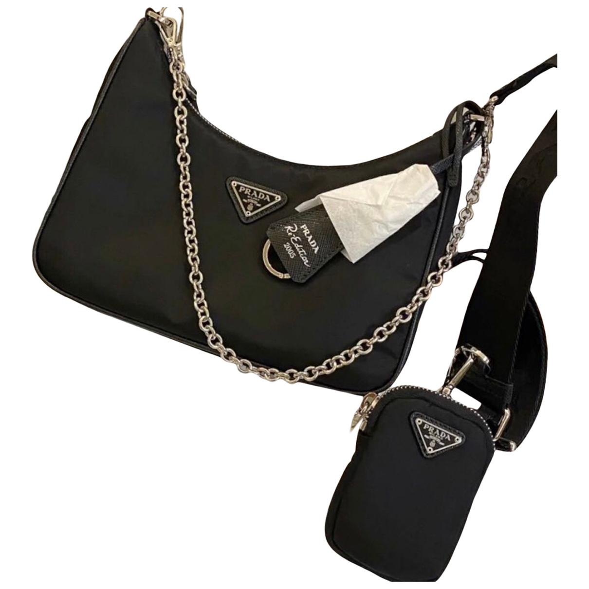 Prada Re-edition Handtasche in  Schwarz Leinen