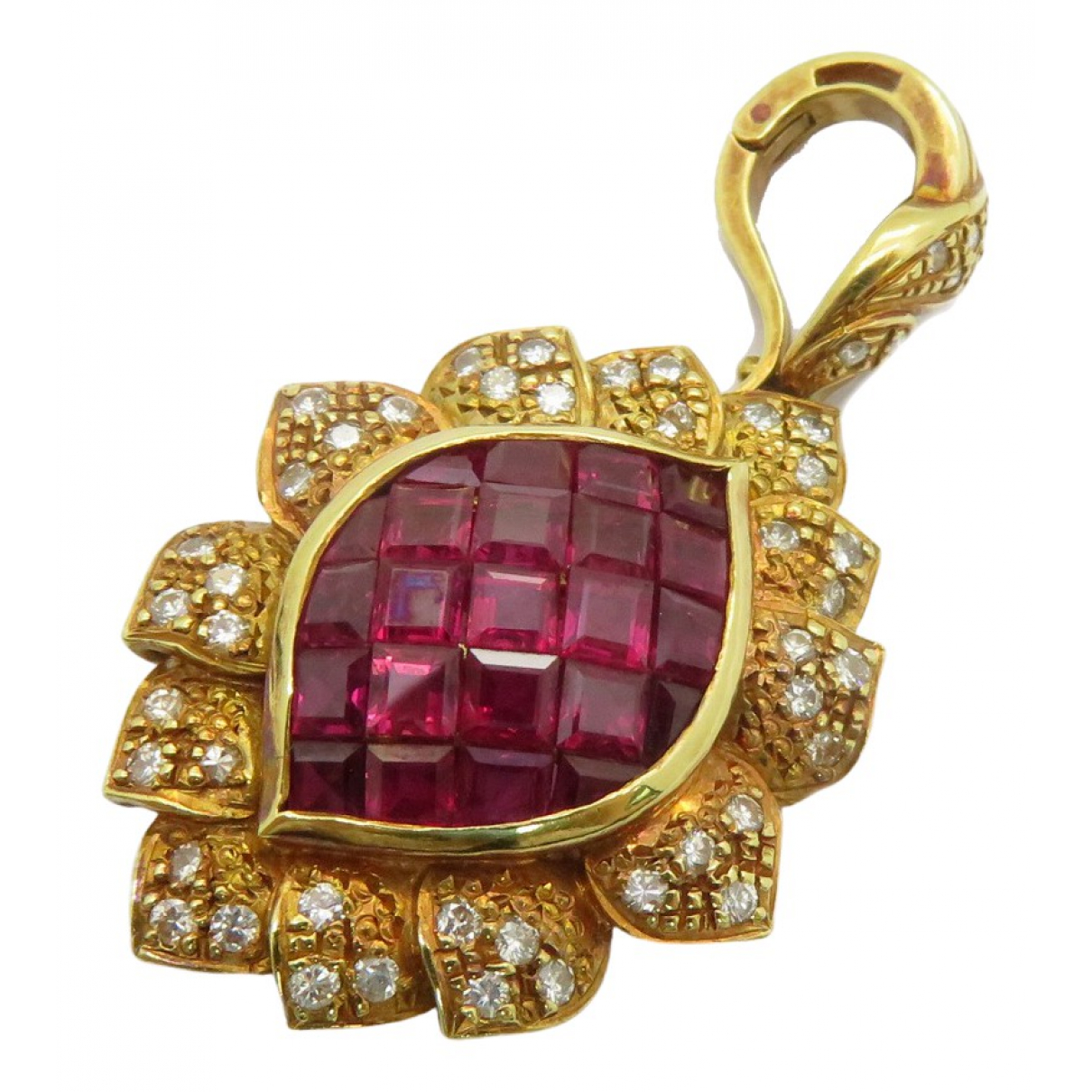 Non Signé / Unsigned Rubis Gold Yellow gold pendant for Women \N