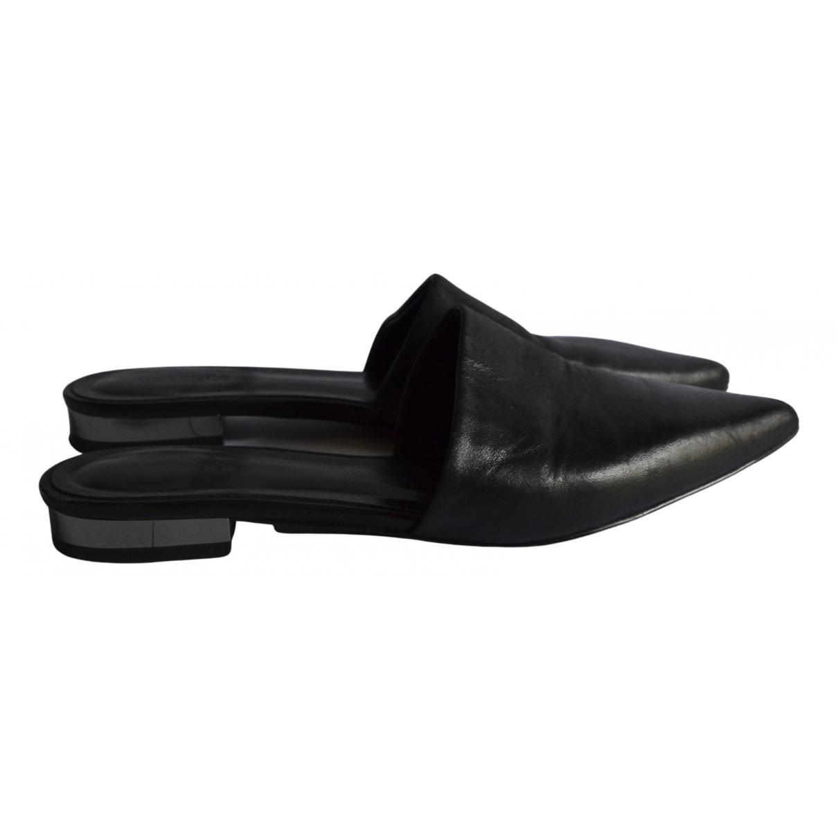 Uterque \N Sandalen in  Schwarz Leder