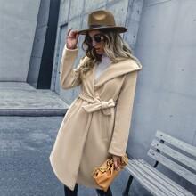 Mantel mit Selbstband, schraegen Taschen und Kapuze