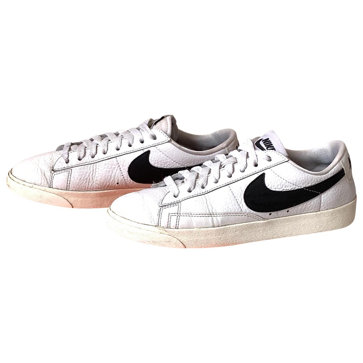 Nike Blazer Sneakers in  Weiss Leder