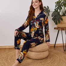 Conjunto de pijama ribete en contraste con estampado floral