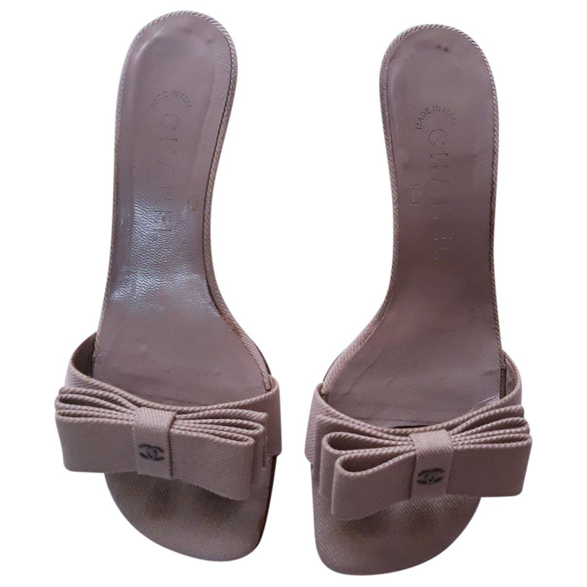 Chanel \N Sandalen in  Beige Leinen
