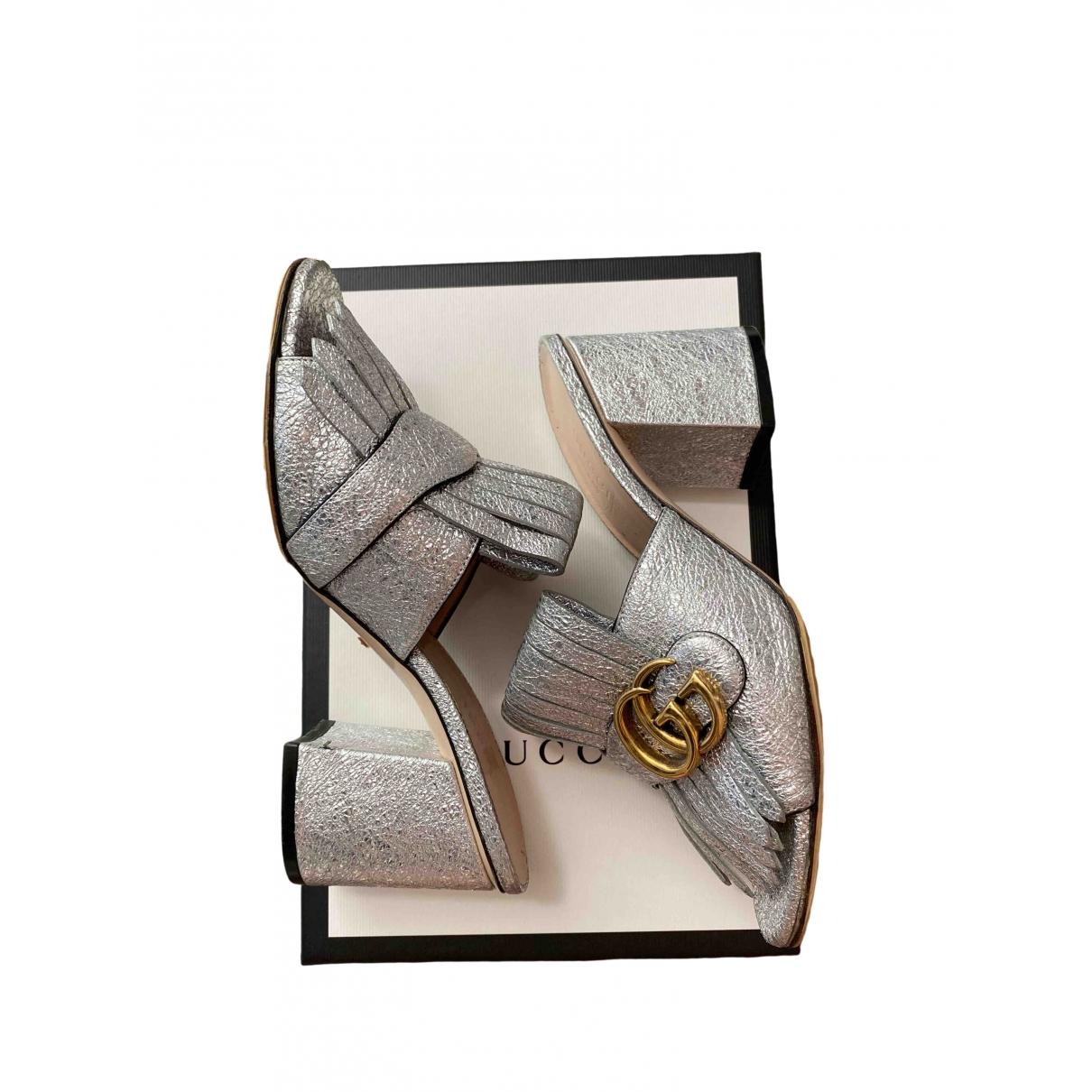 Gucci Marmont Sandalen in  Silber Leder