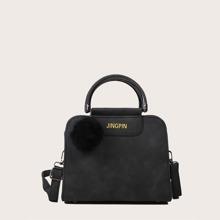Tasche mit Pompon Dekor