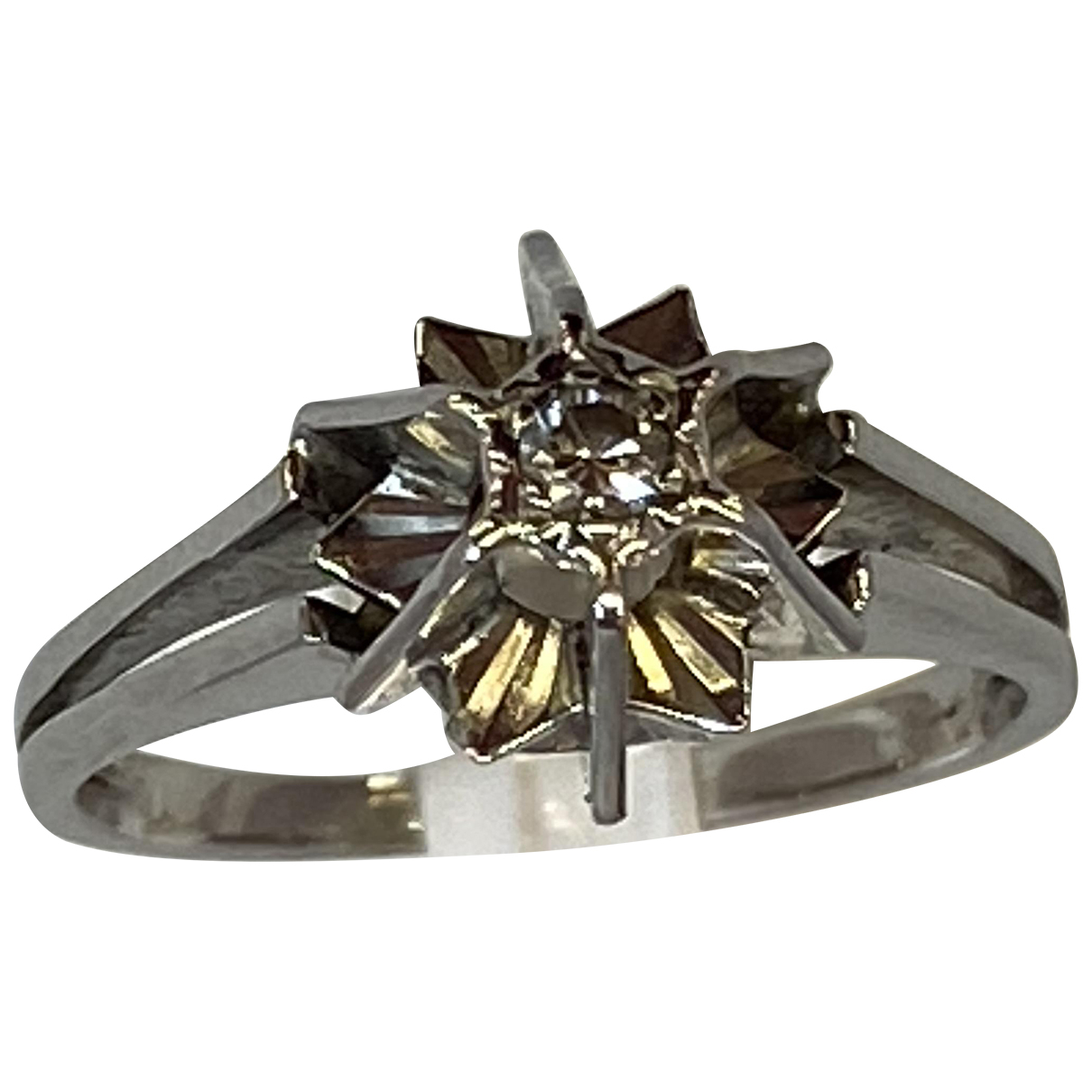 Non Signe / Unsigned Solitaire Ring in  Grau Weissgold