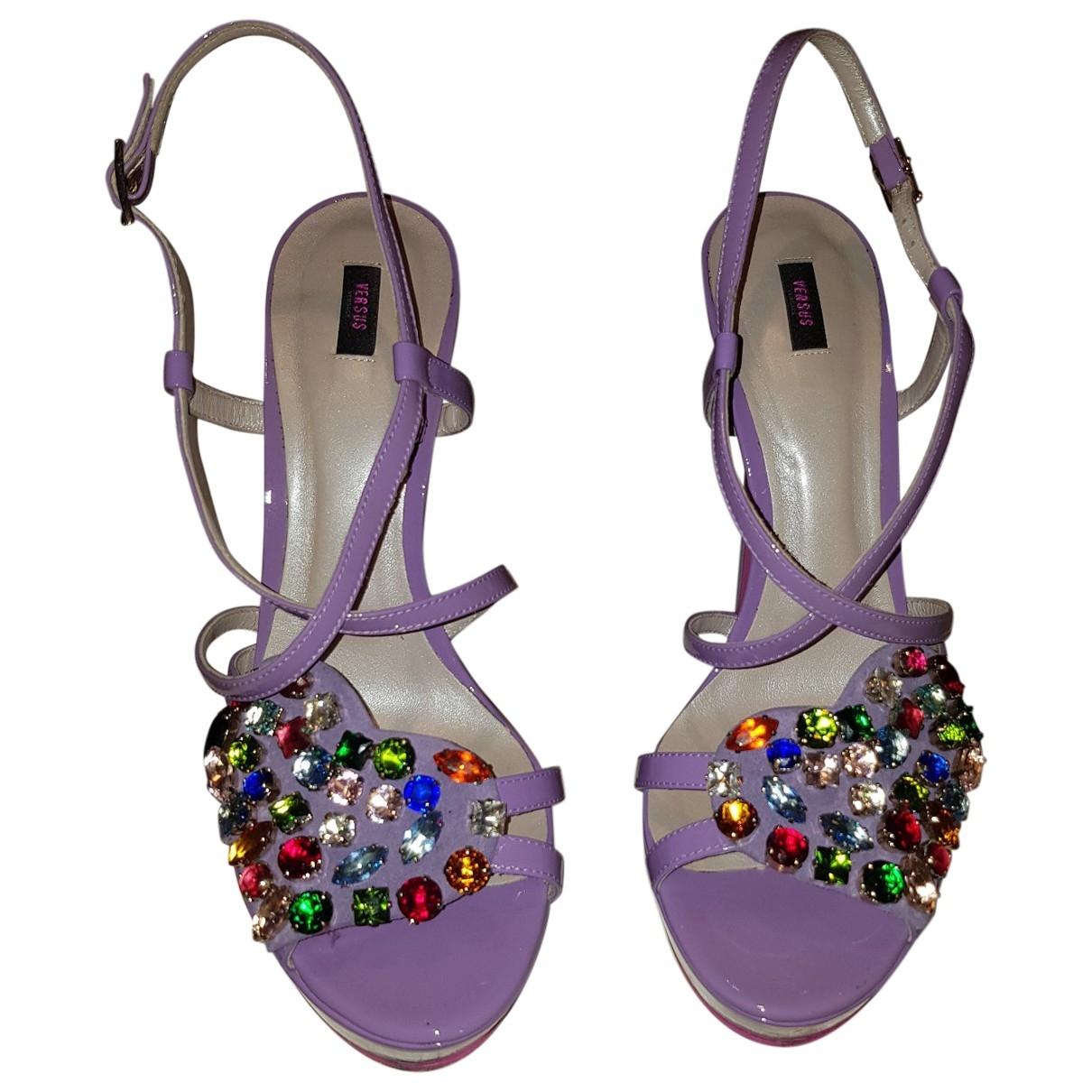 Versus - Sandales   pour femme en cuir verni - violet