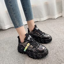 Zapatos con cordon delantero brillante